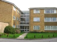 3 bedroom Flat to rent in Carlingford Court...