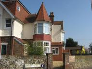 Flat to rent in Chichester Road...