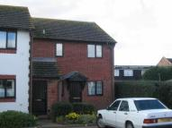 Flat to rent in Sea Road, East Preston...