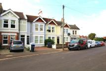 Flat to rent in Westcourt Road, Worthing...