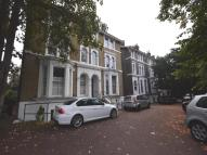 Flat to rent in Shooters Hill Road...