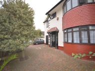 4 bed home in Canberra Road, London...
