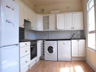 Flat in Farnaby Road, Bromley...
