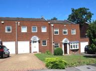 4 bed property to rent in Meriden Close, Bromley...