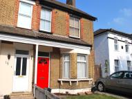 Flat to rent in Great Elms Road, Bromley...