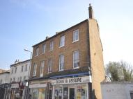 Flat to rent in Berrylands Road...