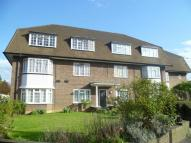 1 bed home in Kingston Road, Surbiton...