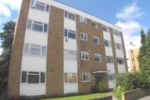 Flat to rent in Rivermead Uxbridge Road...