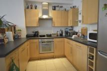 Flat to rent in Burwood Close, Surbiton...