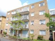 2 bed Flat to rent in Grove Road, Surbiton, KT6
