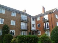 2 bedroom Flat to rent in Berrylands Road...