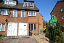 Flat to rent in Glenbuck Road, Surbiton...