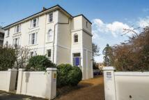 Flat to rent in Uxbridge Road...
