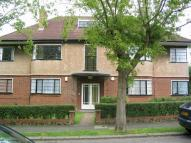 Flat in Grove Avenue, Sutton, SM1
