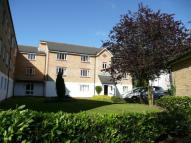 Flat to rent in Chipstead Close, Sutton...