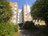 1 bedroom Flat in Brighton Road, Sutton...