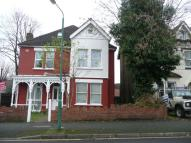 Flat in St. James Road, Sutton...