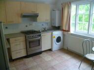 Flat to rent in Camborne Road, Sutton...