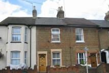 2 bed semi detached property to rent in Sotheron Road, Watford...