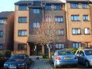 1 bed Flat to rent in Cricketers Close, Erith...