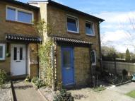 1 bedroom Flat in Knole Close, Pound Hill...