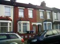 2 bedroom home to rent in Wakefield Street...