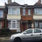Flat to rent in Napier Road, Tottenham...