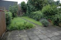 Flat to rent in Wakefield Road...