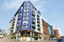 Flat for sale in Ingram Street...