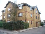 Flat to rent in Acre Road...