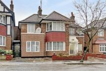 4 bedroom Detached home in Gloucester Gardens...