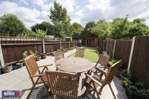 3 bed End of Terrace home in Brent Park Road, London...