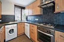 Apartment to rent in Finchley Road, NW11