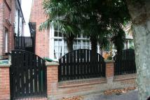 Apartment to rent in Woodstock Road, NW11