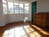 Maisonette to rent in Epsom