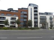 Apartment to rent in Kings Gate, Horsham, RH12