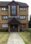 Flat to rent in HUNTERS LANE, Leavesden...