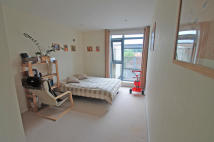 Apartment to rent in WHIPPENDELL ROAD...
