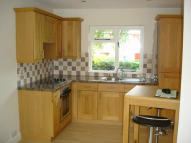 Studio apartment to rent in Parkside Drive, Watford...