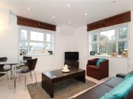 2 bed Flat in Hayes Grove, SE22