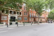 Flat to rent in Moscow Mansions...