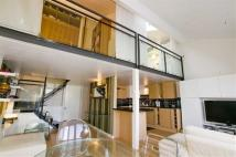 2 bedroom Flat in Manhattan Building...