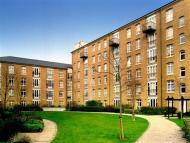 2 bed Flat in Park West...