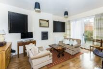 Mews to rent in Ock Street Abingdon OX14