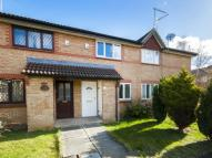 Terraced house to rent in Canterbury Close, Banbury