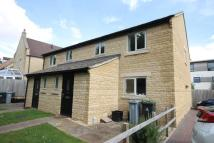 3 bedroom semi detached house to rent in Ralegh Crescent Witney...