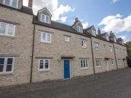Town House to rent in Glover Mews, Woodstock