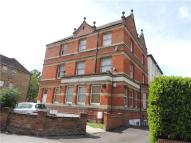 Maisonette to rent in Lower Addiscombe Road...