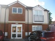 Flat to rent in Causton Gardens...