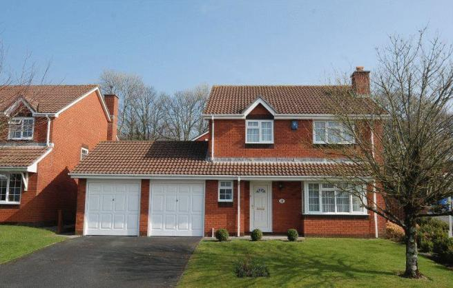 4 Bedroom Detached House For Sale In Kingsway Gardens